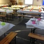 Mise en place des tables pour l'Iftar
